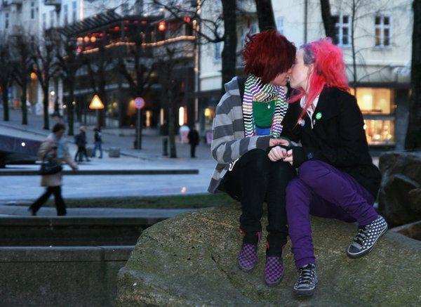 lesbian_love_by_renjoo